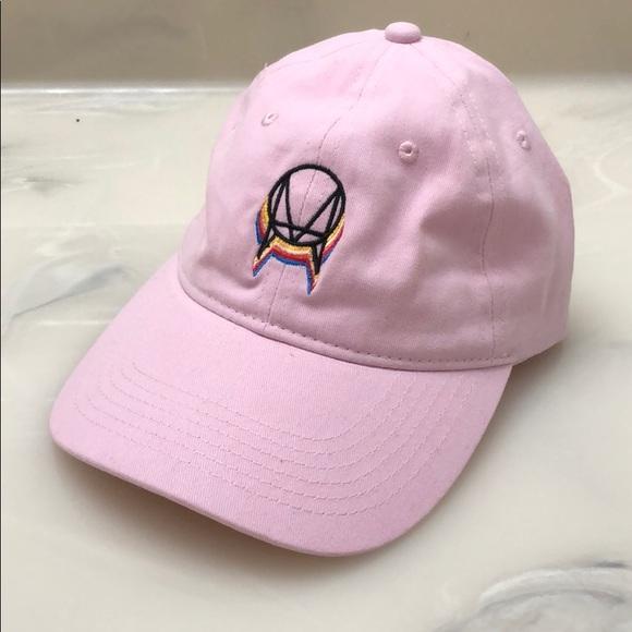 41f09979d9d ... OWSLA Dad Hat. M 5a7d5b0acaab44d01afb9cb6